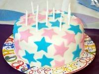 Round cake with stars