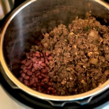 Chili Con Carne-Instant pot pressure cooker with cooked beans and meat