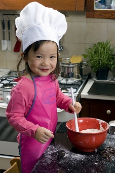 Tips for working with kids in the kitchen