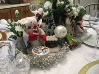 How to organize holiday tablescapes