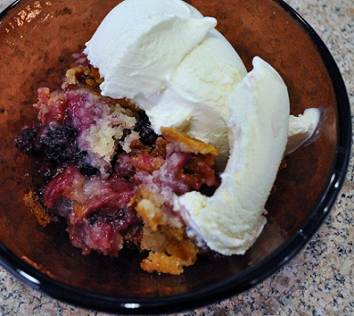 Blackberry Cinnamon Cobbler