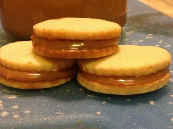 alfajores cookie sandwiches