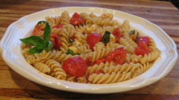 Fresh Mozzarella and Tomato Penna Pasta