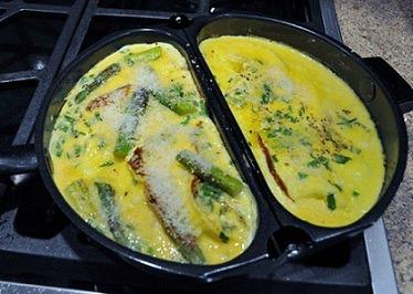 making Parmesan Omelet