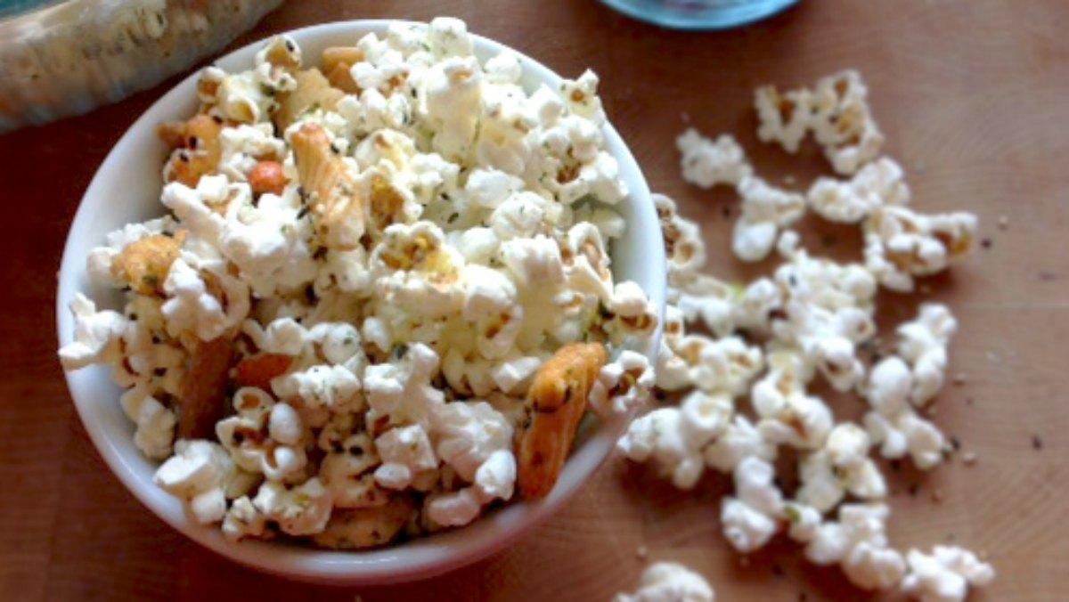 Hawaiian Hurricane Popcorn What S Cooking America